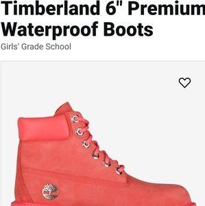 Size 2 girls Timberland boots like new still an li
